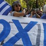 ΌΧΙ: manifestants en faveur du «non» qui l'a emporté à 61% lors du référendum en Grèce, dimanche 5 juillet 2015 Crédits photo : JOSE MANUEL RIBEIRO/AFP