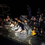 Désespérés, les habitants de cette île grecque de la mer Égée, située à 70 km d'Izmir, ont perdu toute confiance dans l'Europe et dans la politique nationale. ANGELOS TZORTZINIS/AFP