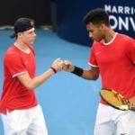 Denis Shapovalov etFelix Auger-Aliassime ont assuré pour leur premier match dans cette ATP Cup. (T.Nearmy/Reuters)