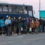 Les réfugiés sur l'île de Lesbos, avant leur transfert en camp fermé, le 20 mars.