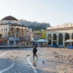 Une place vide de touristes dans le centre d'Athènes en 2020. Alors que le pays est toujours confiné, la perspective de reprise est ténue. Loulou D'Aki/Bloomberg