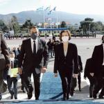 La ministre française de la Défense, Florence Parly (au centre, à droite), et son homologue grec, Nikos Panagiotopoulos (au centre, à gauche), ont trouvé un accord sur la vente de 18 avions de combat Rafale, lors de leur rencontre, le 25 janvier dernier, à Athènes. Zuma Press / Bestimage/Zuma Press / Bestimage