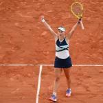 Barbora Krejcikova sous le choc de sa qualification en finale. (J.Prévost/L'Équipe)
