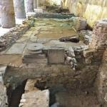 En mettant au jour le croisement des deux axes (cardo et decumanus) de la ville byzantine, c'est un site d'une valeur exceptionnelle, daté entre le IVe et le IX siècle après J.-C., qui est apparu sous le sol de Thessalonique. Son déplacement signerait sa mort archéologique. SIMEPN GESAFIDIS