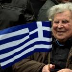 Le compositeur grec Mikis Theodorakis lors d'une manifestation sur la place Syntagma, à Athènes, le 4février2018. PHOTO / ANGELOS TZORTZINIS / AFP