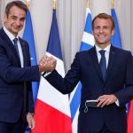Le Premier ministre grecKyriakos Mitsotakis et le président français Emmanuel Macron le 28 septembre 2021 à l'Élysée. PHOTO / Ludovic MARIN / AFP / POOL