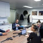 Entretien bilatéral au salon VIP du SwissTech Convention Center avec Kostas Bakoyannis, maire d'Athènes, et Grégoire Junod, syndic de Lausanne, à l'occasion du Forum des 100 le jeudi 14octobre 2021. — © Pierre Albouy pour Le Temps