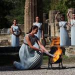 La flamme olympique va désormais entamer un long périple qui la mènera à la cérémonie d'ouverture des Jeux 2022, le 4février prochain. (C.Baltas/Pool/Reuters)