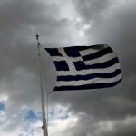 Des milliers de Grecs ont pris part à des manifestations conduites par les syndicats ainsi qu'à une grève générale, mais la majorité gouvernementale de gauche devrait approuver le budget malgré les réticences de nombreux députés. (Crédits : REUTERS/Alkis Konstantinidis/File Photo)