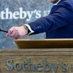 Première pour la maison d'enchères Sotheby's: elle traîne en justice un pays. Image: Keystone