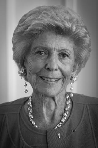 Hélène Carrère