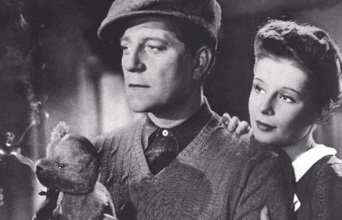 """Jean Gabin & Jacqueline Laurent dans """"Le jour se lève"""" de Marcel Carné (1939)"""