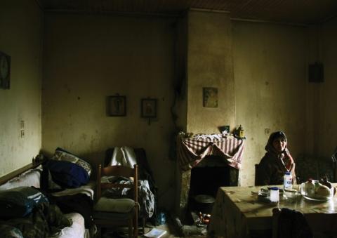 """""""Στο λύκο"""" de Aran Hughes et Christina Koutsospyrou"""
