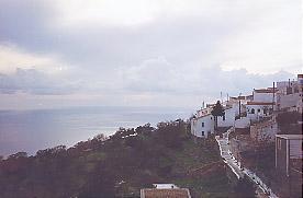 Le village de Nikeia à Nisyros, vu de la maison où Olivier Delorme a écrit le Plongeon.