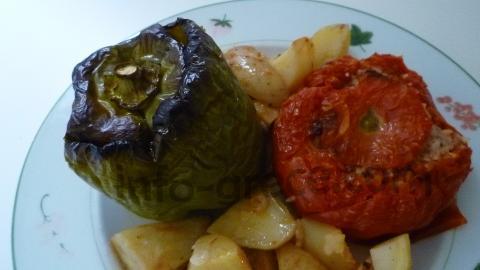 Ce jour-là on avait faim et comme il restait de la place dans le plat on ajouté quelques pommes de terre :)