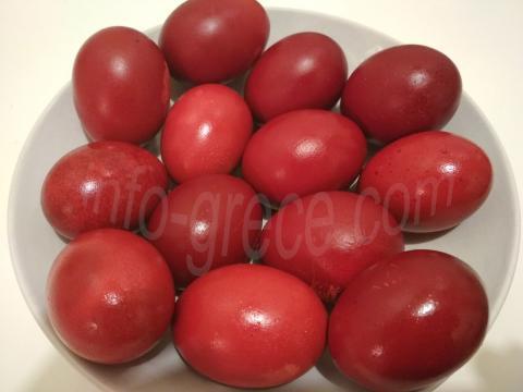 Œufs rouges de Pâque