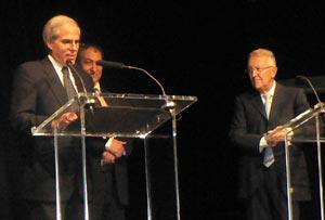 M. Paraskevopoulos et l'ancien ministre et maire du XIe arrondissement de Paris, Georges Sarre (à dr.)