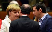 Angela Merke, François Hollande de dos et Alexis Tsipras ce dimanche 12 juillet - AFP PHOTO / JOHN MACDOUGALL