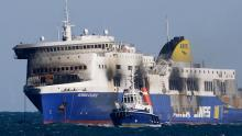 Le ferry a pris feu dimanche                                                     Crédits photo : FILIPPO MONTEFORTE/AFP