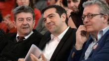 Alexis Tsipras, entouré de Jean-Luc Mélenchon et de Pierre Laurent. Crédits photo : PIERRE ANDRIEU/AFP