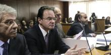 Georges Papaconstantinou est jugé pour avoir dissimulé le nom de membres de sa famille soupçonnés d'évasion fiscale.