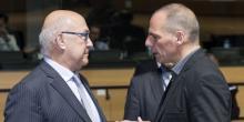 Le ministre des finances, Michel Sapin, et son homologue grec, Yanis Varoufakis, lors d'une réunion des ministres des finances au Luxembourg consacrée à la crise grecque, lundi 19 juin.
