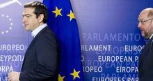 Les mesures présentées par Alexis Tsipras (photo, à gauche) suscitent l'optimisme de Matteo Renzi - Sipa