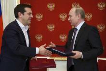 Invité au «Davos russe» à Saint-Pétersbourg, le Premier ministre grec a signé un potentiel accord gazier de 2 milliards d'euros avec Gazprom - AFP/Alexander Zemlianichenko