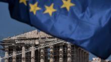 Le Parthénon en chantier, en attendant l'Europe? Au lendemain de l'accord signé par les Grecs avec leurs créanciers européens.