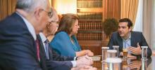 Alexis Tsipras a reçu, mercredi 22 juillet 2015, Louka Katseli, présidente de l'Association bancaire grecque, ainsi que les membres de son conseil d'administration Crédits photo : HANDOUT/REUTERS