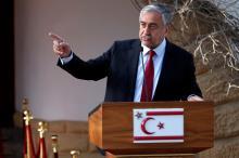 Le dirigeant chypriote turc Mustafa Akinci, ici en photo, et son homologue chypriote grec, Nicos Anastasiades «ont eu un échange ouvert et constructif» sur les suites à donner au processus de paix, indique l'ONU dans un communiqué. (Photo d'archives) Image: AFP