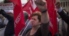 Lundi, des manifestations s'étaient tenues à Athènes, pour protester contre les coupes budgétaires.