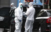 La police grecque à la recherche d'indices sur les lieux de l'explosion à Athènes. - Yorgos Karahalis/AP/SIPA