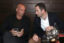 Yánis Varoufákis et Benoît Hamon, le 21 juin à Paris.