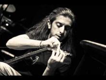 Τι λάθος κάνω - Γιάννης Χαρούλης (Στίχοι - Μουσική: Νίκος Πορτοκάλογου) - Ti lathos kano