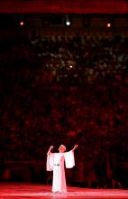 Marinella à la cérémonie de clôture des Jeux Olympiques d'Athènes 2004