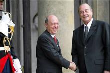Jacques Chirac accueille Costas Simitis au Palais de l'Elysée