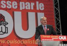 Georges Papaandréou au meeting des Socialistes européens pour le Oui
