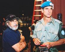 Yorgos Arvanitis sur le plateau de tournage avec Jeremy Irons.
