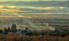 Eglise avec vue sur le lac de Kerkini