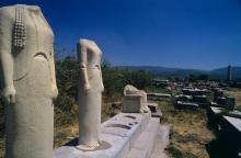 Statues sur le site du Temple de la déesse Héra à Samos