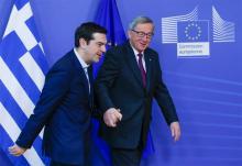 Jean-Claude Junker reçoit Alexis Tsipras à la Commission européenne dix jours après l'ascension de Syriza au gouvernement.