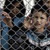 Depuis dimanche, les migrants arrivés de Turquie sur l'île de Lesbos, sont maintenus dans le camp de Moria, et ne sont plus autorisés à en sortir. - AFP/ARIS MESSINIS